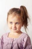 Retrato de la pequeña muchacha de ojos azules Fotografía de archivo