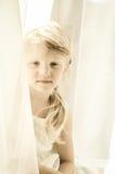 Retrato de la pequeña muchacha rubia Foto de archivo