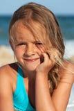 Retrato de la playa de una niña Foto de archivo libre de regalías