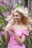 Muchacha hermosa con el pelo que fluye Imagenes de archivo