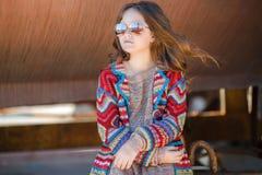 Retrato de la primavera del adolescente al aire libre Foto de archivo libre de regalías