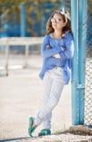 Retrato de la primavera del adolescente al aire libre Imagenes de archivo