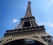 Retrato de la torre Eiffel por la mañana fotografía de archivo libre de regalías