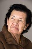 Retrato de la vieja abuela irritable de la mujer Foto de archivo