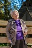 Retrato de la vieja mujer sonriente Imagen de archivo libre de regalías