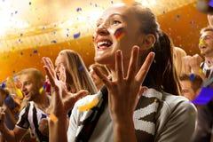 Retrato de las emociones de los aficionados al fútbol del estadio fotografía de archivo