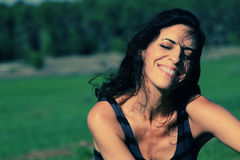 Retrato de los 35 años hermosos de la mujer Fotografía de archivo libre de regalías