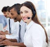 Retrato de los agentes sonrientes del servicio de atención al cliente Imagen de archivo libre de regalías