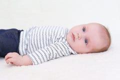 Retrato de los 3 meses hermosos de bebé Imagenes de archivo