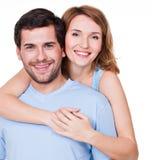 Retrato de los pares felices del abarcamiento Fotografía de archivo libre de regalías