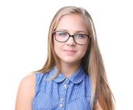 Retrato de los vidrios que llevan de la muchacha bonita del adolescente, aislado Imagen de archivo libre de regalías