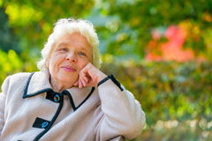 Retrato de más viejas señoras pensativas Imágenes de archivo libres de regalías
