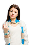 Retrato de medio cuerpo de adolescente con gesto obsceno Fotografía de archivo libre de regalías