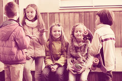 Retrato de meninas e de meninos da escola júnior Fotos de Stock