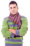 Retrato de panos desgastando do inverno do homem novo Fotografia de Stock Royalty Free