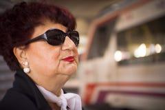 Retrato de parecer jovem da mulher das pessoas de 70 anos Fotografia de Stock Royalty Free