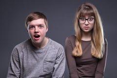 Retrato de pares adolescentes asombrosos Fotos de archivo libres de regalías