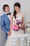 Retrato de pares hermosos Alineada de boda Accesorios de la boda Imagen de archivo libre de regalías