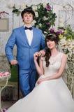 Retrato de pares hermosos Alineada de boda Accesorios de la boda Foto de archivo