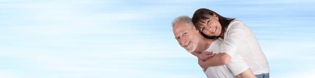 Retrato de pares sênior felizes foto de stock