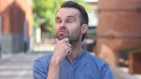 Retrato de pensar o homem ocasional no escritório filme