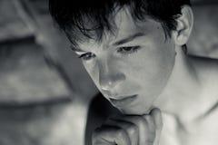 Retrato de pensativo, serio, adolescente Imagen de archivo libre de regalías