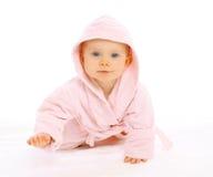 Retrato de rastejamentos pequenos bonitos do bebê Imagens de Stock Royalty Free