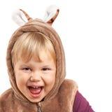 Retrato de rir o bebê caucasiano no traje do urso imagens de stock royalty free