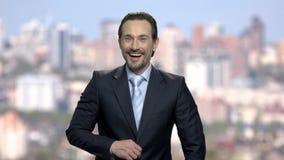 Retrato de rir o homem de negócios maduro filme
