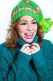 Retrato de riso da menina do inverno Fotografia de Stock