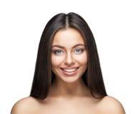Retrato de sorriso atrativo da mulher no fundo branco Fotografia de Stock Royalty Free
