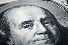 Retrato de tiros do close-up de Benjamin Franklin na lente macro de Fotos de Stock