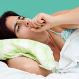 Retrato de tossir latino-americano da mulher Fotografia de Stock