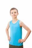 Retrato de um adolescente em uma camiseta de alças imagem de stock