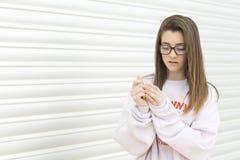 Retrato de um adolescente novo do adolescente de 15 anos Fotos de Stock Royalty Free