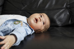 Retrato de um bebé bonito Fotografia de Stock Royalty Free