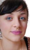Retrato de um brunette consideravelmente novo fotografia de stock