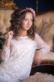 Retrato de um brunette novo Fotos de Stock Royalty Free