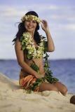 Retrato de um dançarino havaiano do hula fotografia de stock royalty free