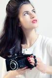 Retrato de um fotógrafo da menina Fotografia de Stock Royalty Free