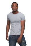 Retrato de um levantamento americano africano do homem foto de stock royalty free