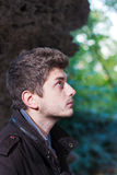 Retrato de um homem considerável no perfil Imagens de Stock Royalty Free