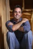 Retrato de um homem de sorriso Fotografia de Stock