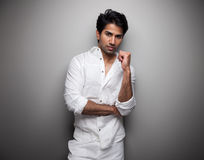 Retrato de um homem indiano imagem de stock royalty free