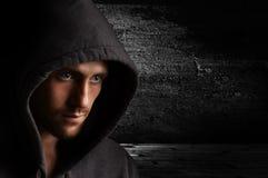 Retrato de um homem irritado novo Fotografia de Stock Royalty Free