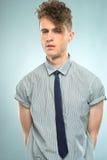Retrato de um homem novo considerável Fotografia de Stock Royalty Free