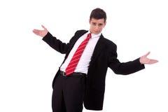 Retrato de um homem novo muito feliz, com seus braços Imagens de Stock Royalty Free