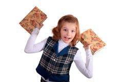 Retrato de um livro de leitura do adolescente da menina foto de stock