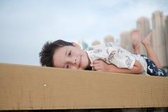 Retrato de um menino considerável imagem de stock royalty free