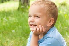Retrato de um menino novo. Imagens de Stock Royalty Free